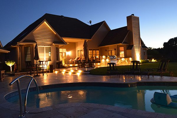 kenosha pool lighting, lights around pool libertyville, outdoor pool lights lake bluff