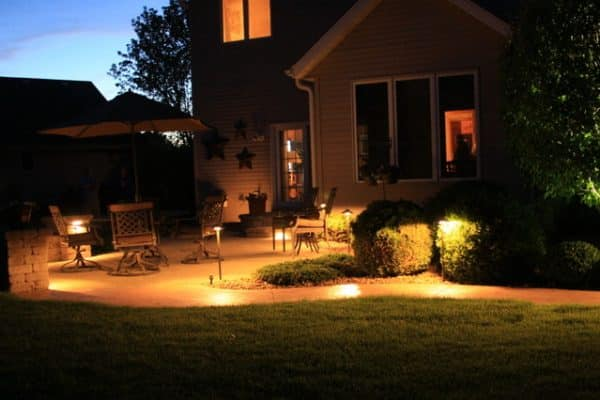 landscape lighting kenosha, outdoor lighting kenosha, trevor landscape lighting