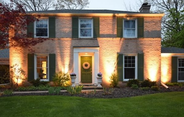 kenosha outdoor light installation, install outdoor lights libertyville, exterior light installation lake bluff