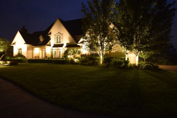 kenosha landscape lighting, outdoor lights libertyville, lake bluff exterior lighting company