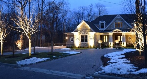 kenosha outdoor lighting installation, libertyville outdoor lighting, exterior light installation lake bluff