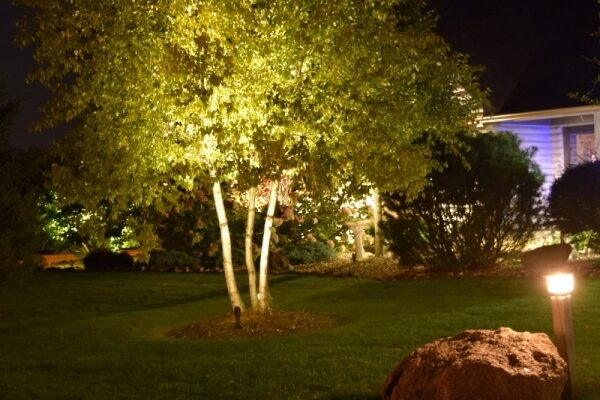 kenosha landscape lighting, libertyville outdoor LED lights, lake bluff outdoor LED lights