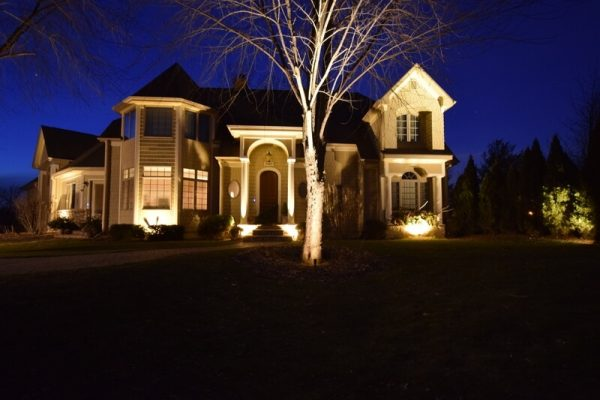 exterior lighting kenosha, install outside lights racine, libertyville custom outdoor lighting