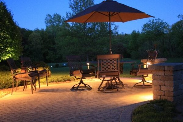 kenosha landscape lighting, libertyville patio light installation, lake bluff outdoor lighting