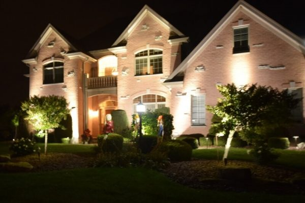 kenosha landscape lighting, outdoor lighting libertyville, install outdoor lights lake bluff