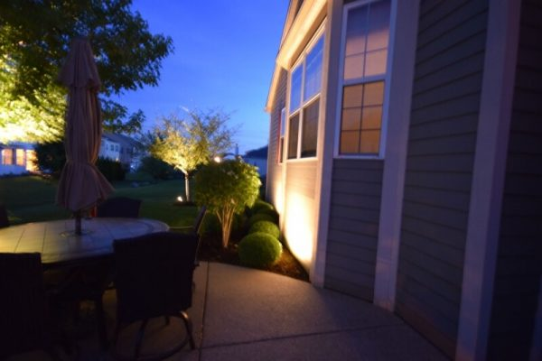 outdoor accent lighting kenosha, exterior lighting libertyville, lake bluff outdoor light installation