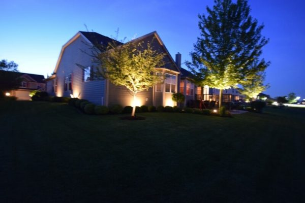 outdoor led lights kenosha, libertyville outdoor led lights, landscape lighting lake bluff