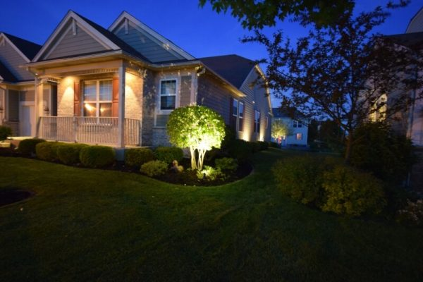 libertyville lights for landscaping, lake bluff outdoor light installation, kenosha exterior lighting solution
