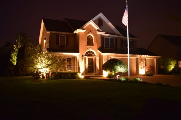 exterior lighting lake bluff, outdoor light installation kenosha, libertyville exterior lighting