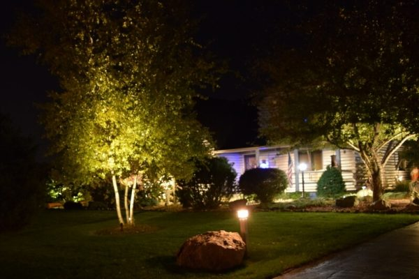 kenosha landscape lighting, security lights kenosha, outdoor lights kenosha