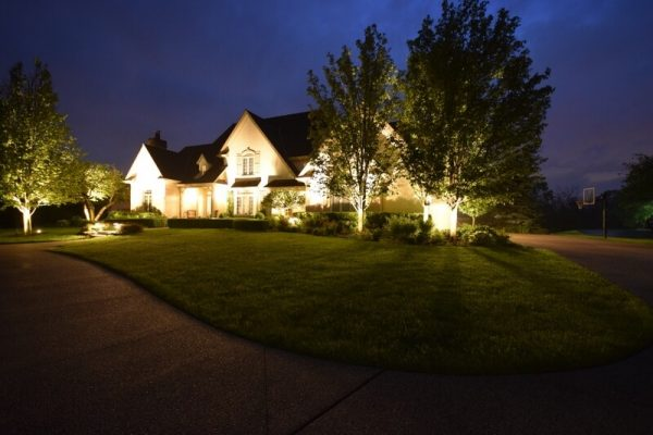 facade lighting, landscape lighting kenosha, accent lighting