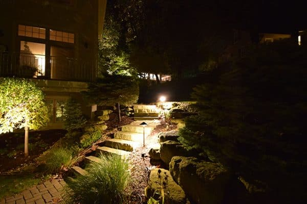 mikes landscape lighting libertyville, walkway lighting, garden lighting