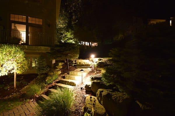 Mikes Landscape Lighting Libertyville, Walkway Lighting, Garden Lighting