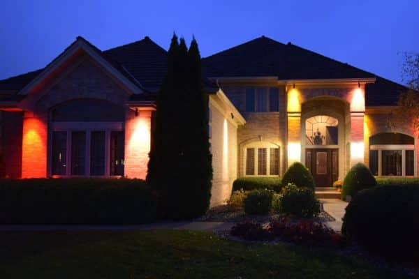 Mike's Landscape Lighting gurnee, overhang lighting, multicolor lighting