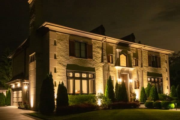 outdoor lighting installation, professional landscape lighting installation, mikes landscape lighting