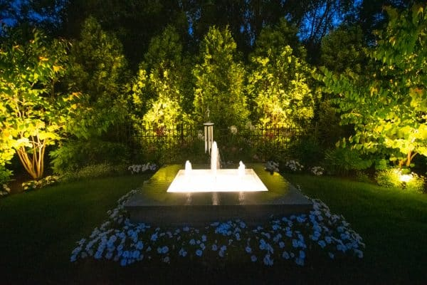 mikes landscape lighting, professional landscape lighting, professional outdoor lighting