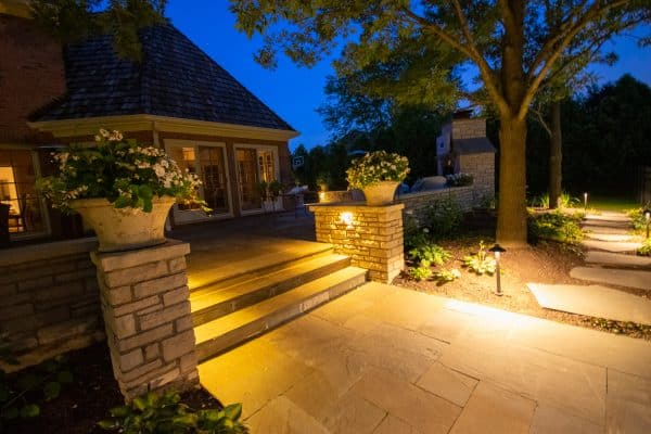 professional landscape lighting, outdoor lighting installation, mikes landscape lighting