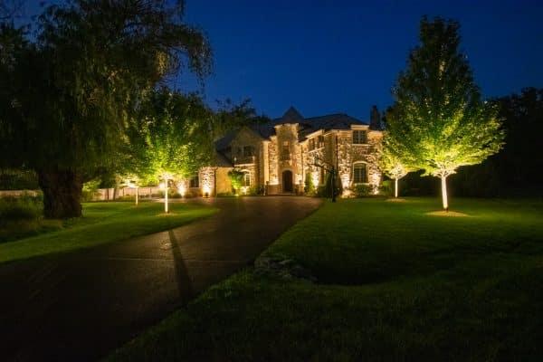 outdoor lighting installation, professional landscape lighting, mikes landscape lighting