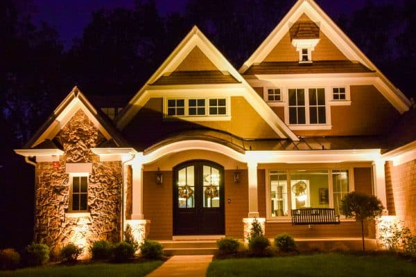 professional landscape lighting, mikes landscape lighting, outdoor lighting experts