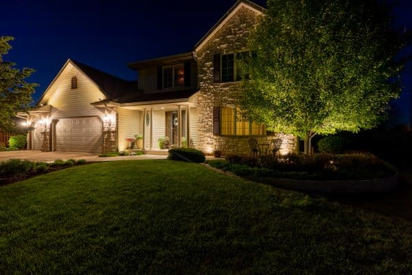 professional landscape lighting installation, outdoor lighting installation, mikes landscape lighting