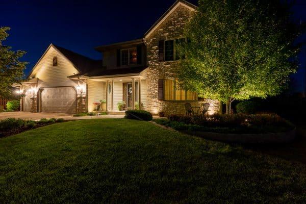 professional landscape lighting installation, outdoor lighting installation, mikes landscape lighting
