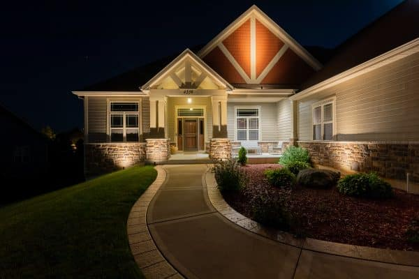 outdoor lighting, mikes landscape lighting, outdoor accent lighting installation