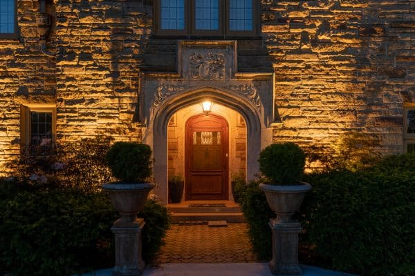 outdoor accent lighting, mikes landscape lighting, professional landscape lighting installation