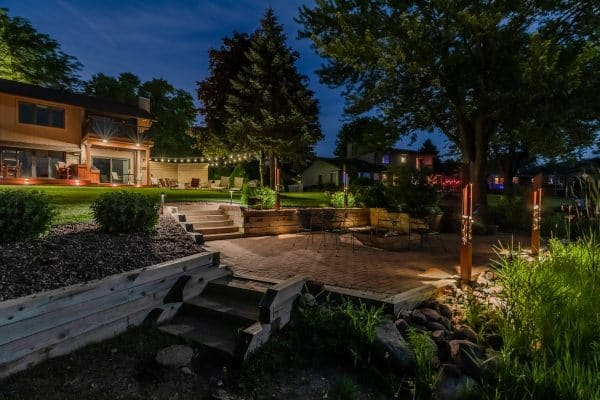 mikes landscape lighting, outdoor lighting installation, professional landscape lighting