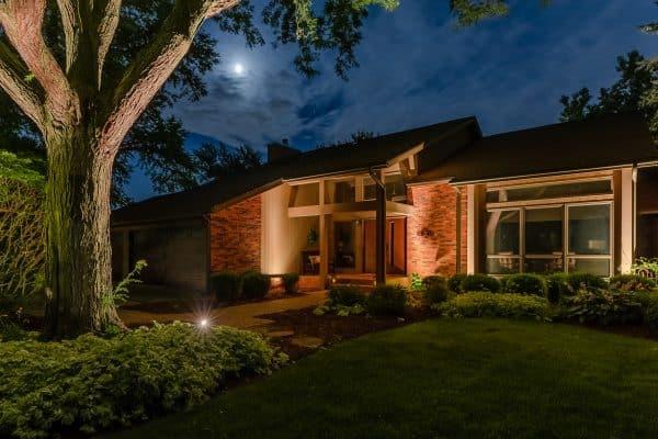 outdoor lighting installation, landscape lighting installation, mikes landscape lighting