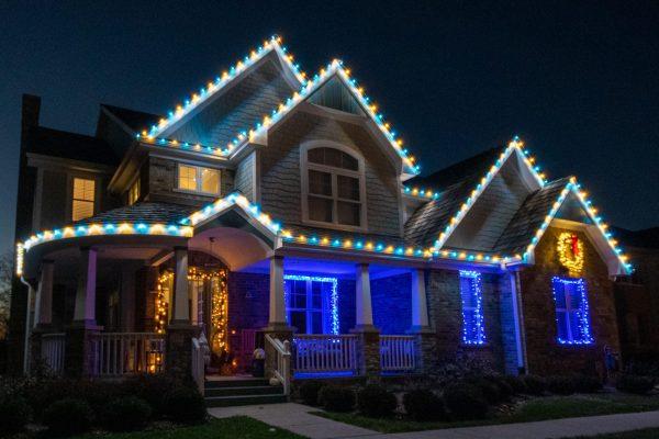 christmas lighting, mikes landscape lighting, outdoor lighting