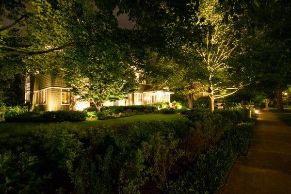 professional landscape lighting, mikes landscape lighting, outdoor lighting