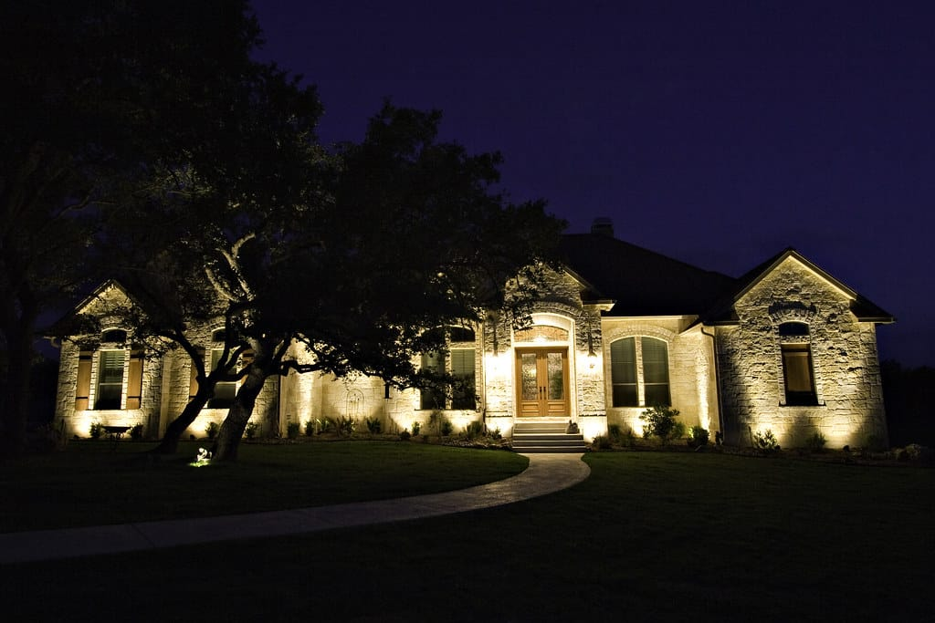 what is landscape lighting, landscape lighting questions, landscape lighting businesses in wisconsin