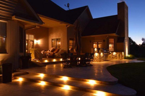 landscape lights installation, landscape lighting kenosha, landscape lighting lake county