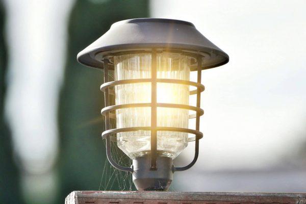 landscape lighting installation, outdoor lighting installation, outdoor lighting professionals