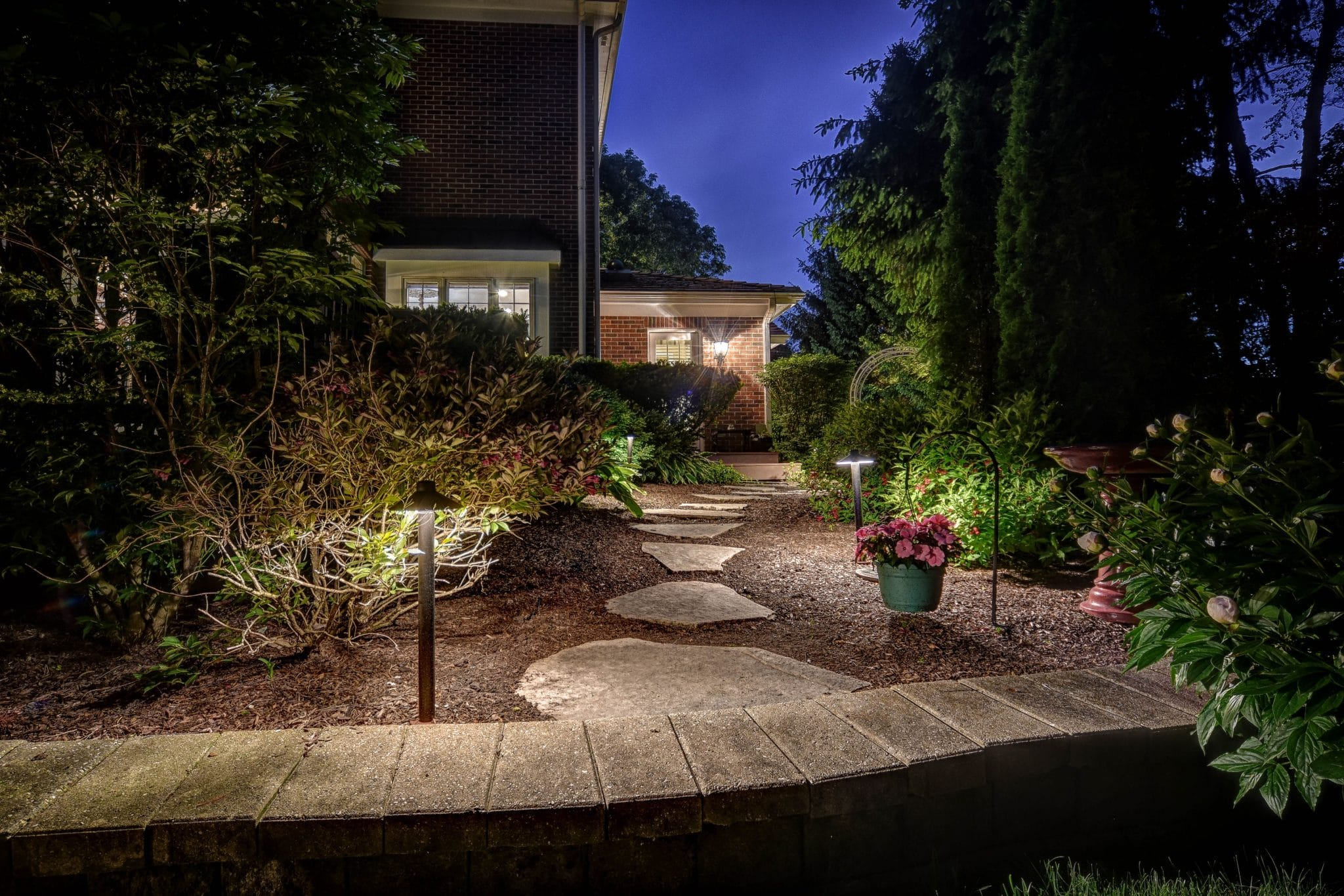 landscape lighting in glenview il, mikes landscape lighting, outdoor lighting in glenview