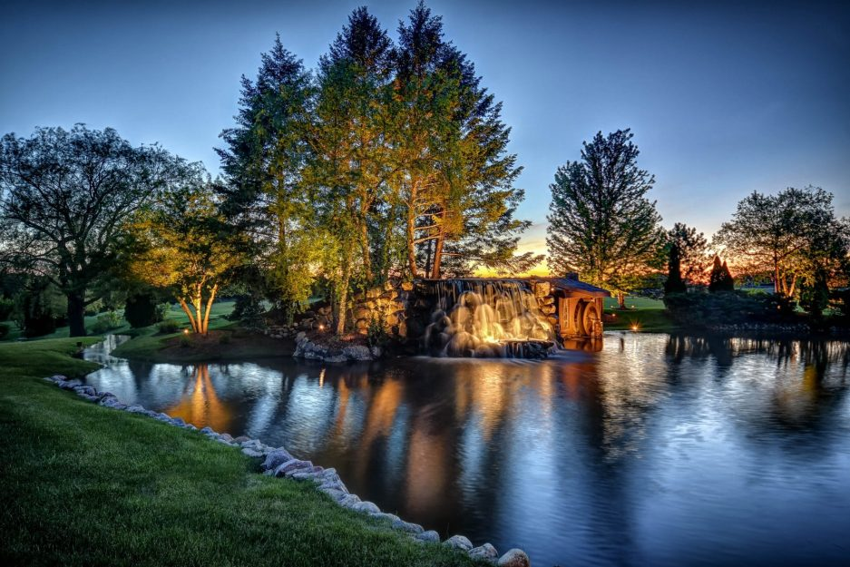 landscape lighting in south barrington, mikes landscape lighting, outdoor lighting in south barrington