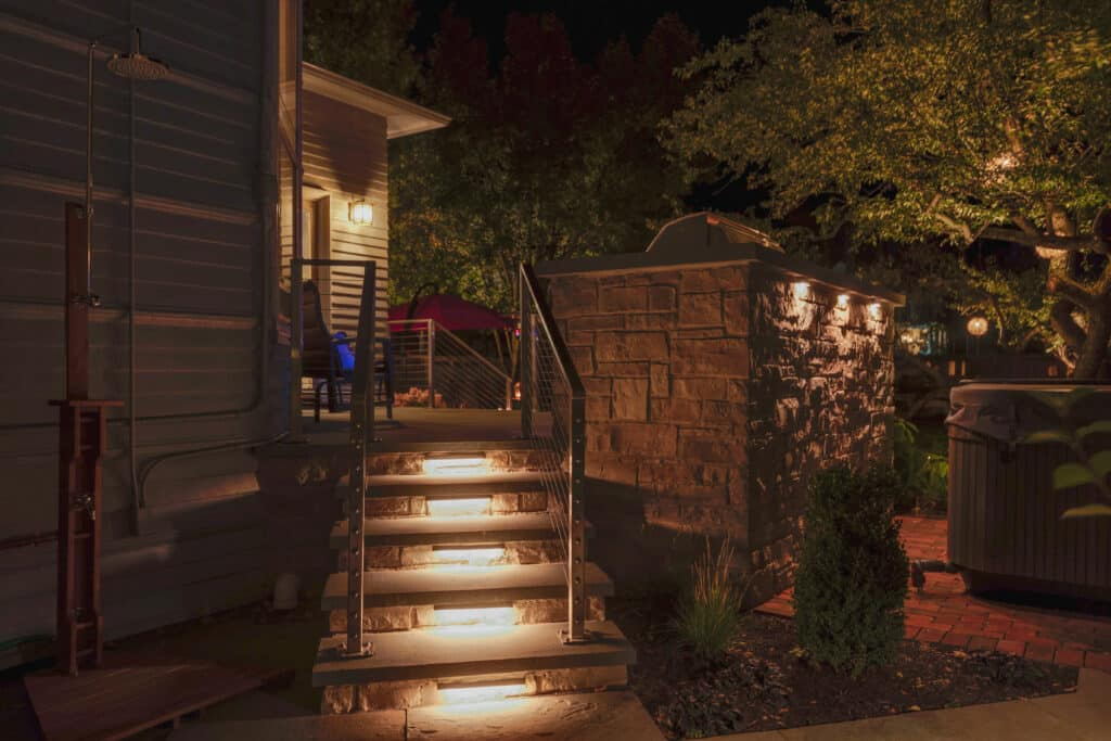 what is low voltage landscape lighting, landscape lighting, mike's landscape lighting