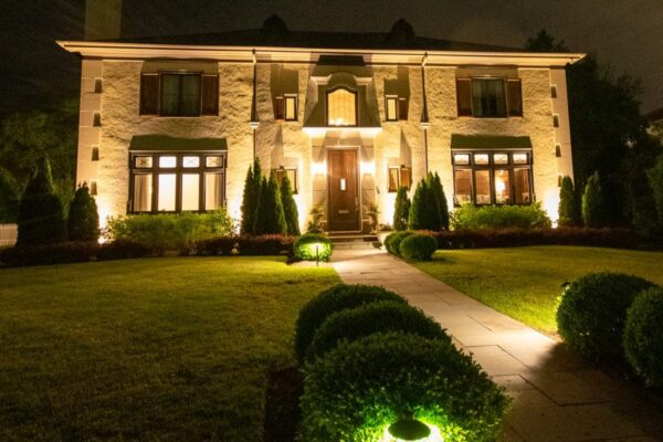 security light installation in chicagoland, mike's landscape lighting, security lighting in chicagoland