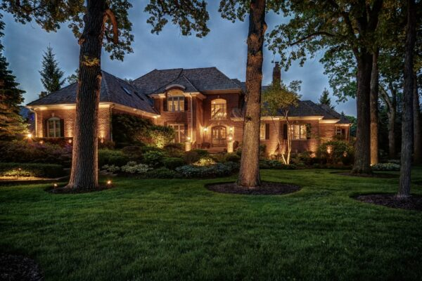 chicago outdoor lighting, mike's landscape lighting, chicago landscape lights