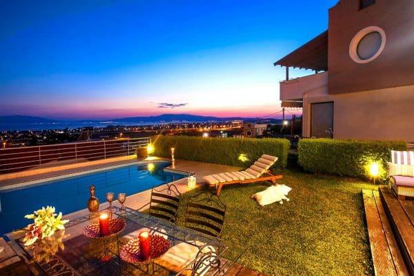 mikes landscape lighting, pool lighting in gurnee il, gurnee pool lighting backyard