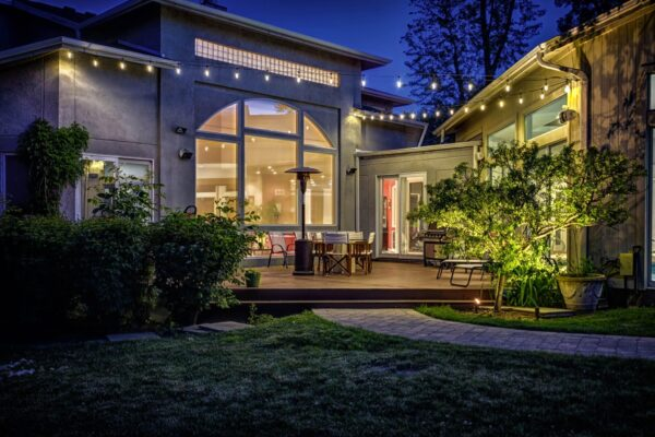 house lighting, home lighting, mike's landscape lighting